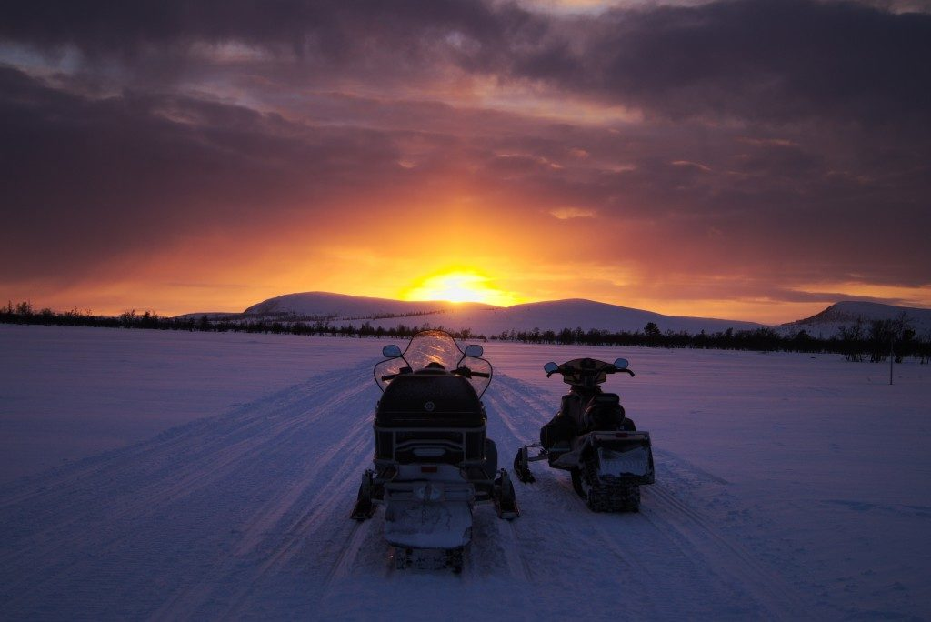 Are You New to Riding a Snowmobile? Read These First