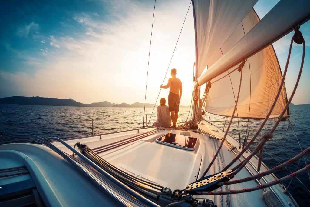 How to Stay Safe on Your Rental Boat